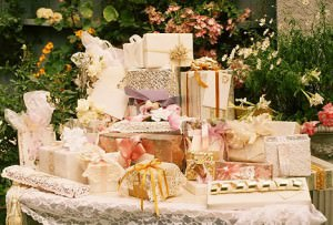 Секреты удачного подарка на свадьбу