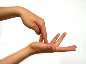 Как лечить артроз кистей рук на tvoisustaviru