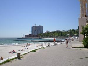 Усиленная работа на пляжах Одессы